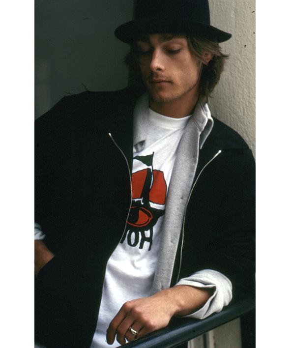 iconiques t-shirts d'artistes agnès b.